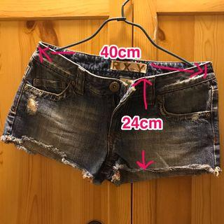 Roxy 牛仔短褲熱褲