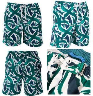 🚚 Swimming surf shorts