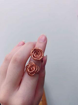 🚚 典雅玫瑰戒指🌹