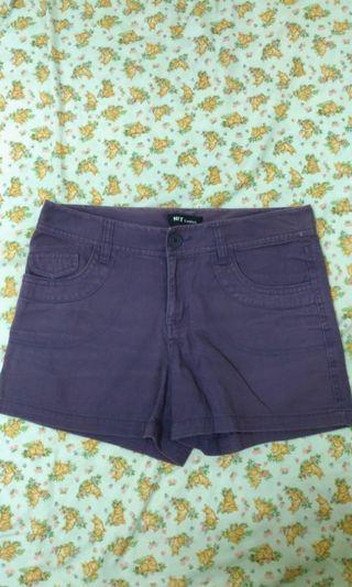 🚚 刷舊的紫色牛仔短褲