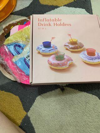 甜甜圈充氣背架 內含巧克力甜甜圈與藍色甜甜圈 另外附加紅鶴造型