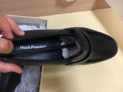 🚚 Hush Puppies black office shoes