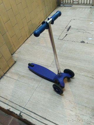 幼童滑板車,—切正常,不合完美主義者