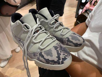 Nike air Jordan 11 low snake US12全新