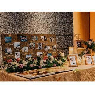 Wedding decorations : wooden crates, wooden planks, candles