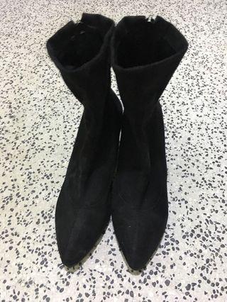 蜜桃絨短靴