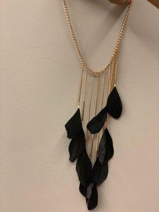 Lovisa Necklace | Rose Gold Chain and Black Feather | RM 10
