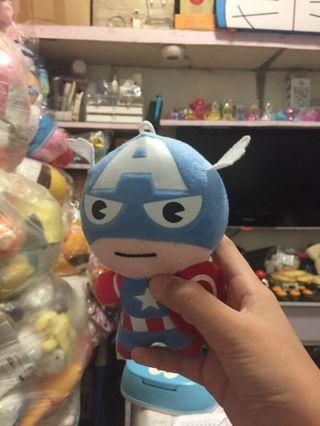 Captain America 公仔 (夾回來的)