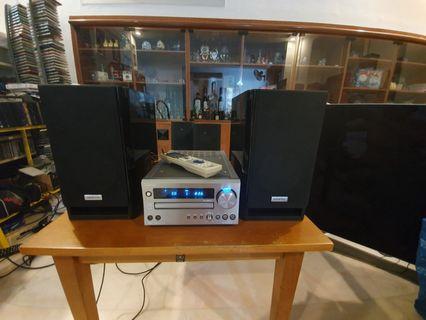 Onkyo amplifier speaker CR-725    cd receiver amplifier with speaker  50 watts per channel