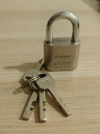 [Moving Out] Solid Padlock
