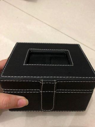 Kotak Jam Tangan bahan kulit mewah