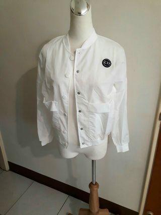 白色防曬外套 輕便型薄外套 夏天棒球外套