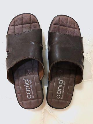 Cania Brown Leather Slippers US11