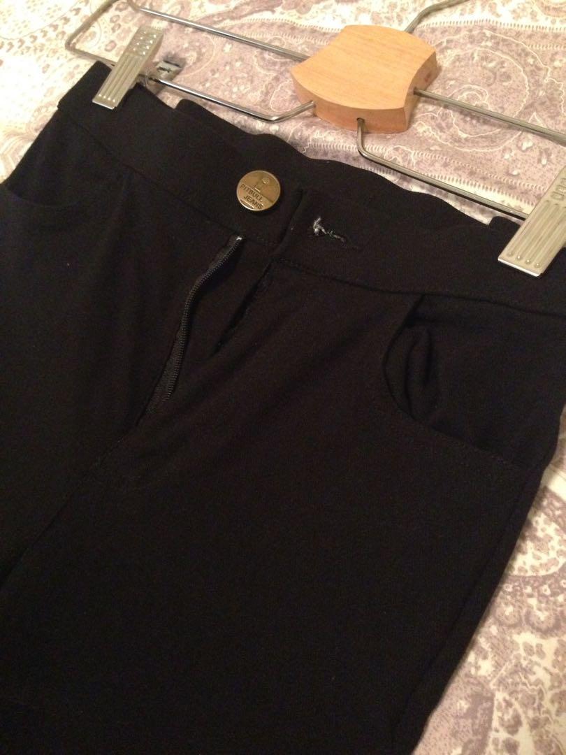 黑色貼腿褲
