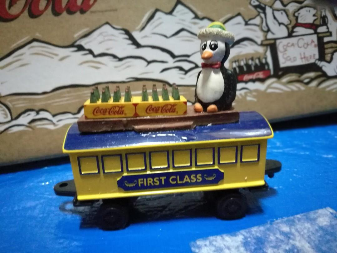 可口可樂 coca cola 火車擺設 共三卡 Train with figures