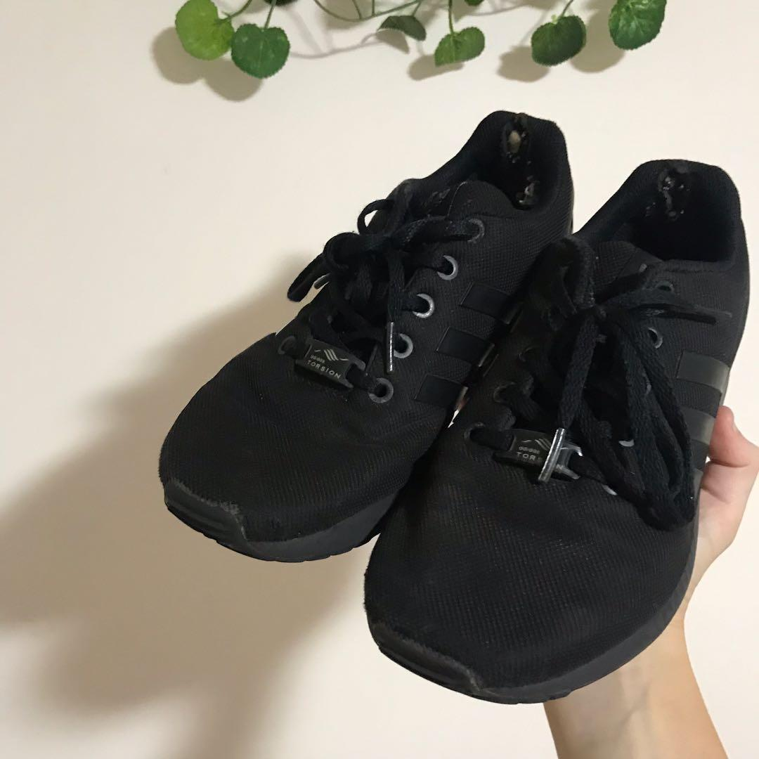 all black adidas ZX flux trainers