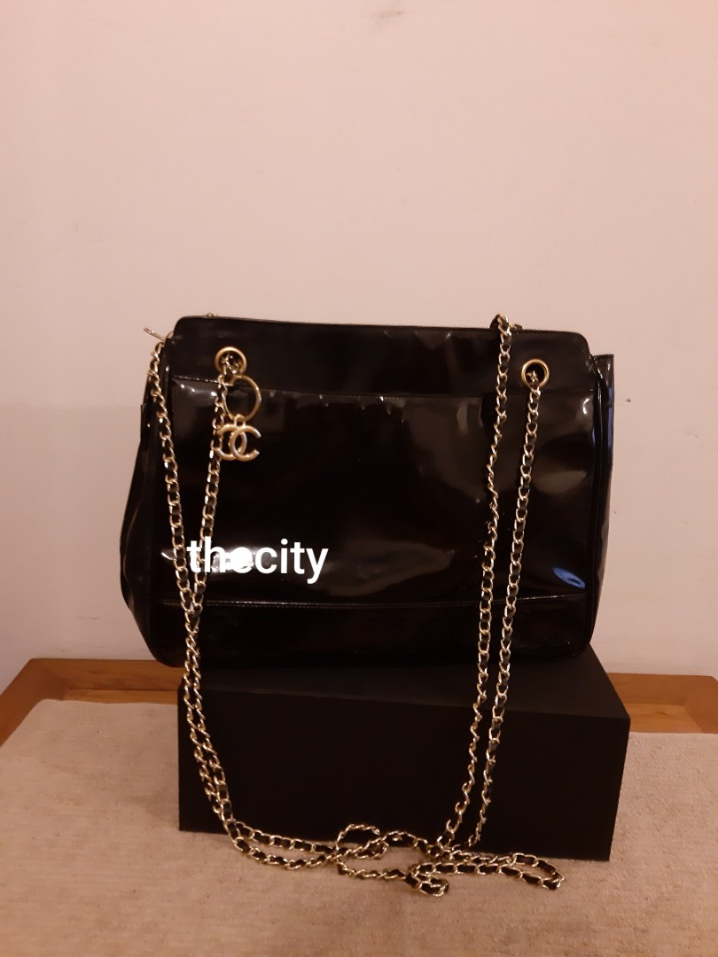 AUTHENTIC CHANEL CHAIN SHOULDER BAG - IN SHINY BLACK PATENT LEATHER - GOLD HARDWARE - CLEAN INTERIOR - HOLOGRAM STICKER INTACT- NEW LONG CHAINS STRAPS, CAN SLING / CROSSBODY- (CHANEL CHAIN BAGS NOW RETAIL OVER RM 20,000+)