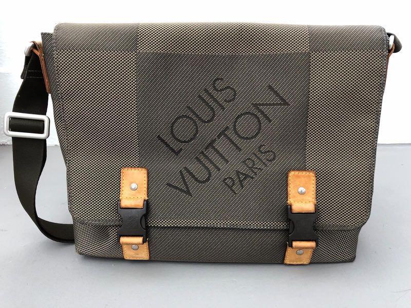 1719f6080 Authentic Louis Vuitton Damier Geant Loup Messenger Bag, Men's ...