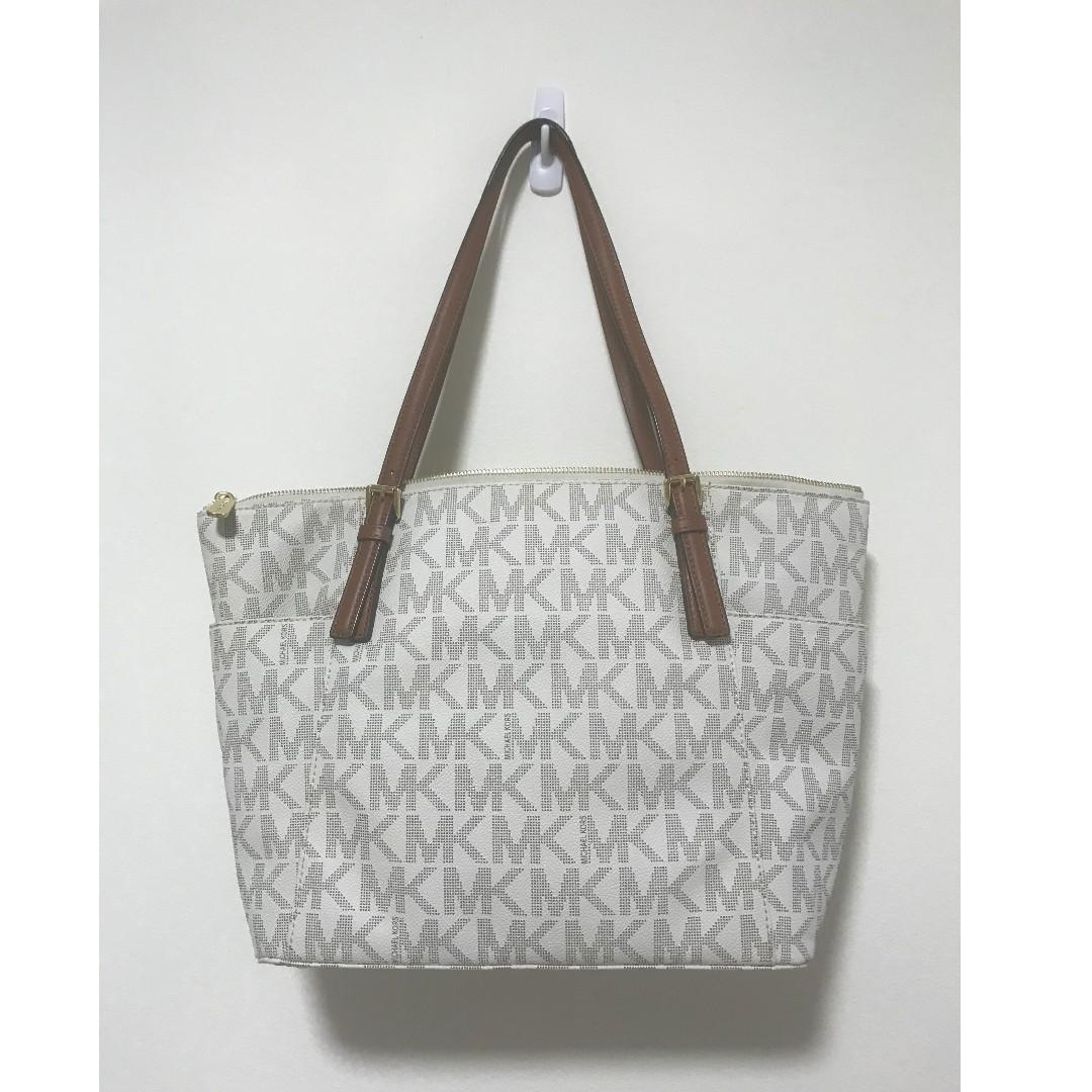 81eff3fb3ef666 Authentic Michael Kors Voyager Medium TOTE BAG, Women's Fashion ...