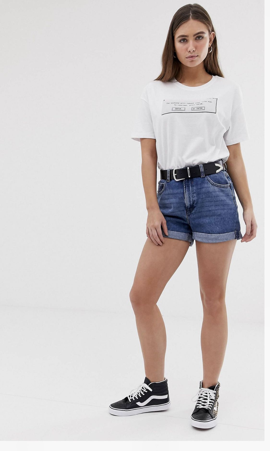 55cc763c78 Bershka denim shorts, Women's Fashion, Clothes, Pants, Jeans & Shorts on  Carousell
