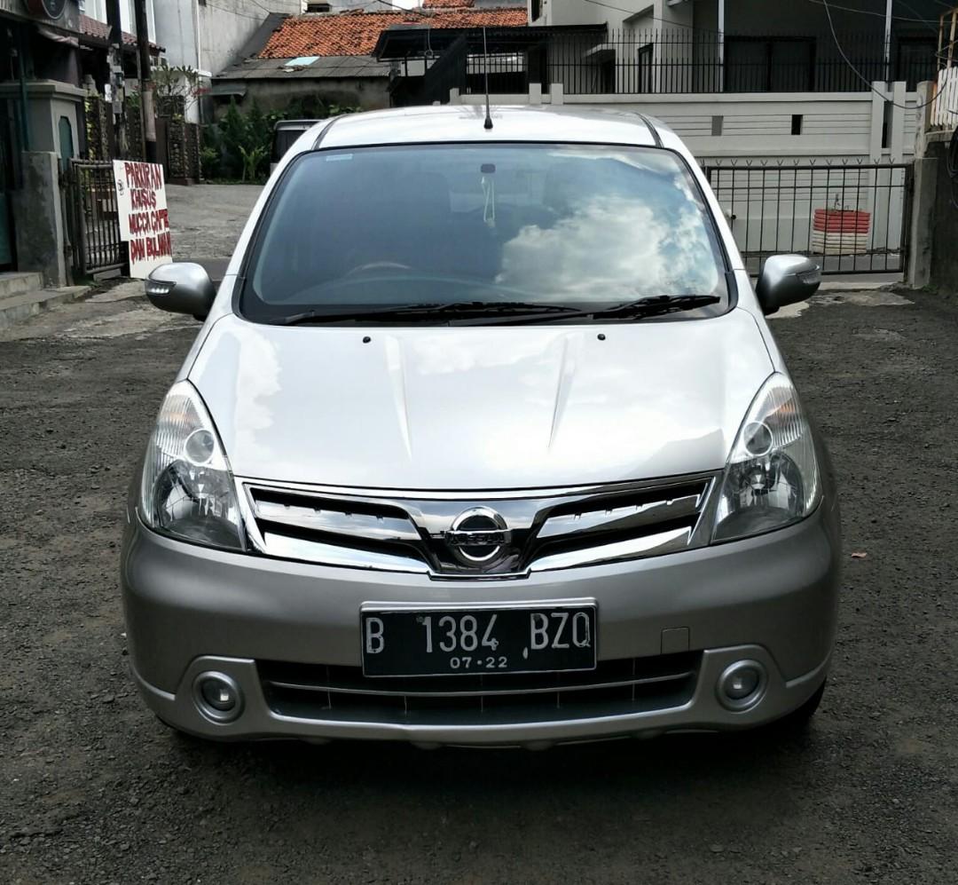 Dijual Mobil Grand Livina 2012
