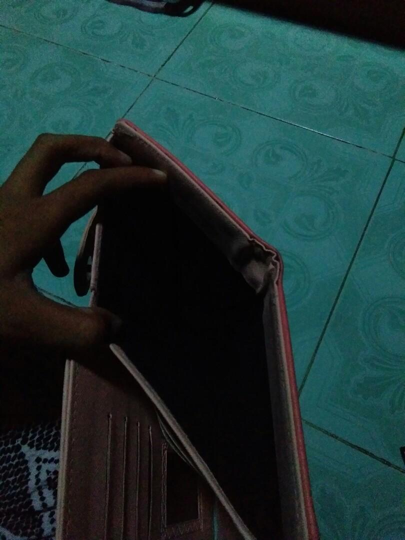 Dompet preloved