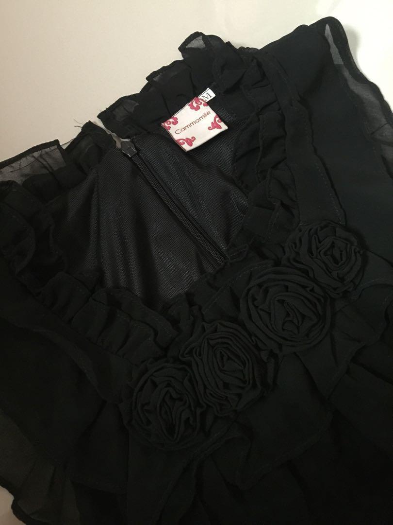 Dress pesta simple hitam