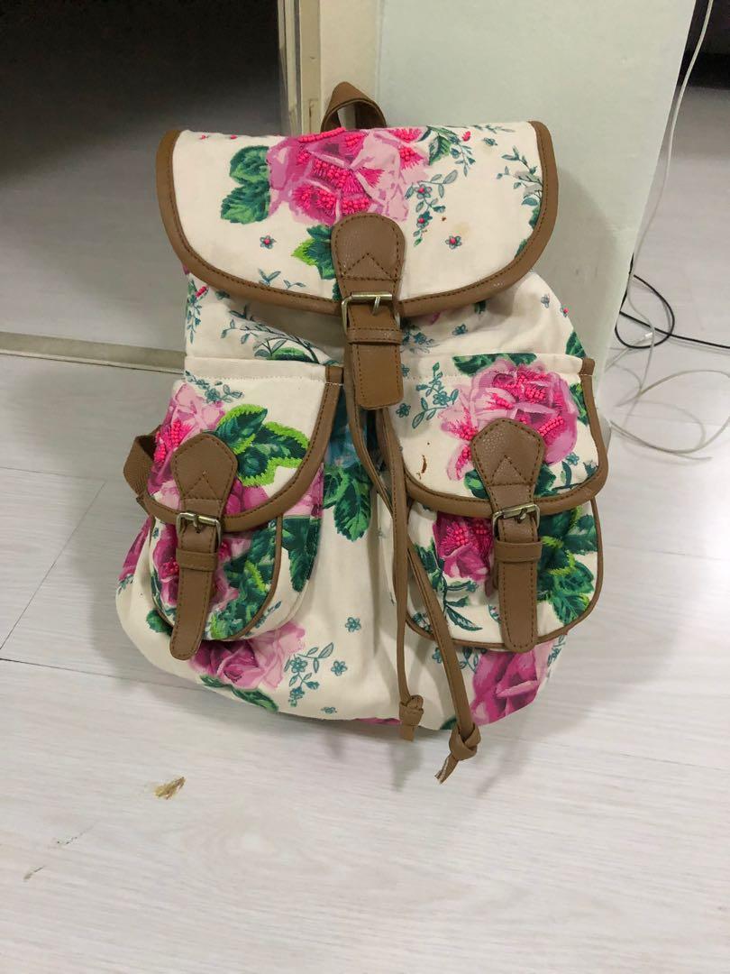 Floral backbag