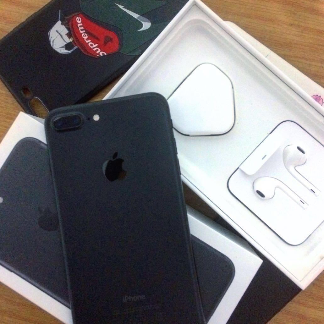 finest selection 0b4f6 09405 IPhone 7 Plus 128gGB (Full box set) n (Phone Case*4)