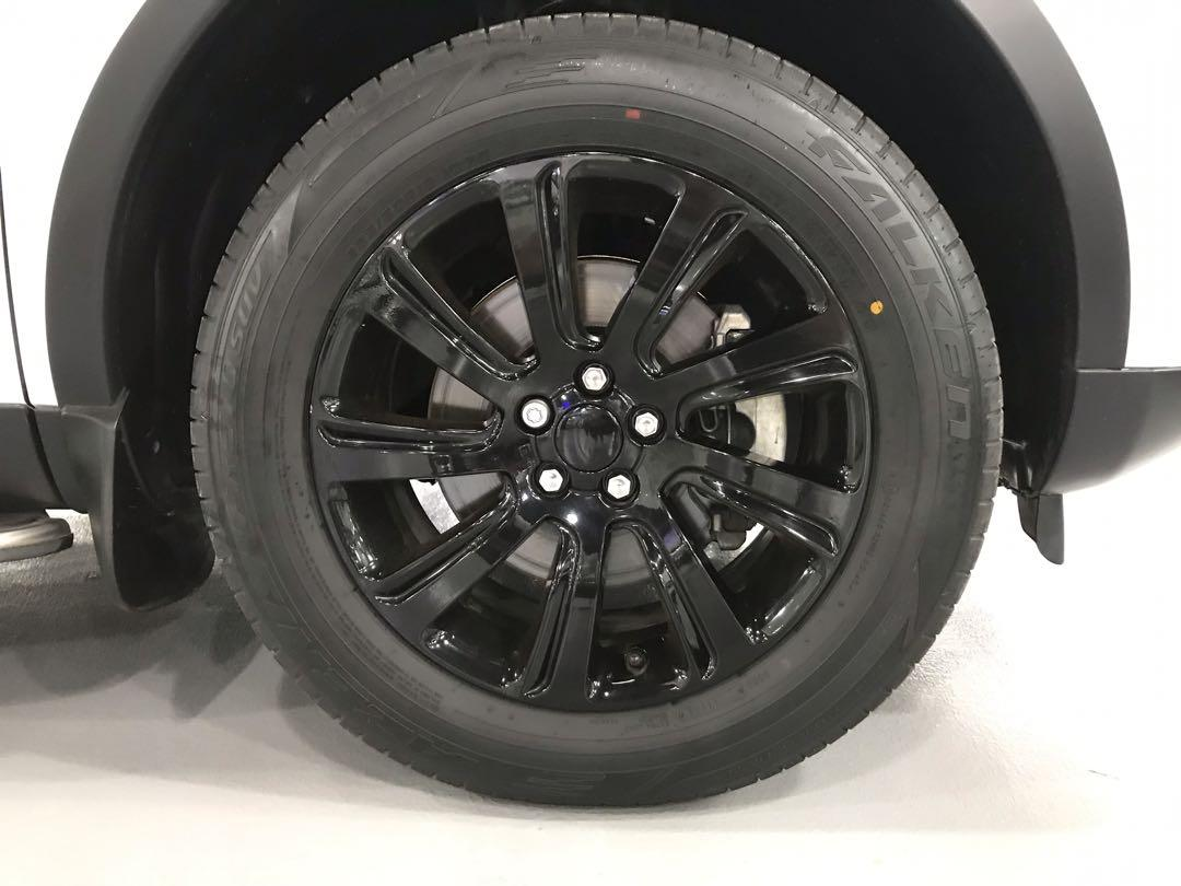 LAND ROVER DISCOVERY SPORT SE BLACK PACK