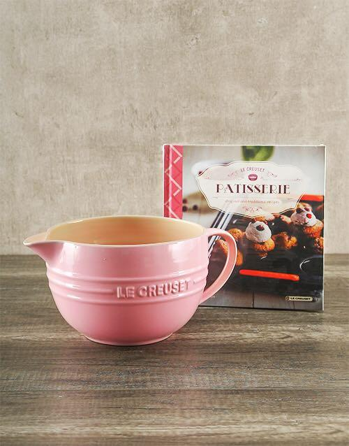 Le Creuset chiffon pink batter bowl 2qt mixing bowl