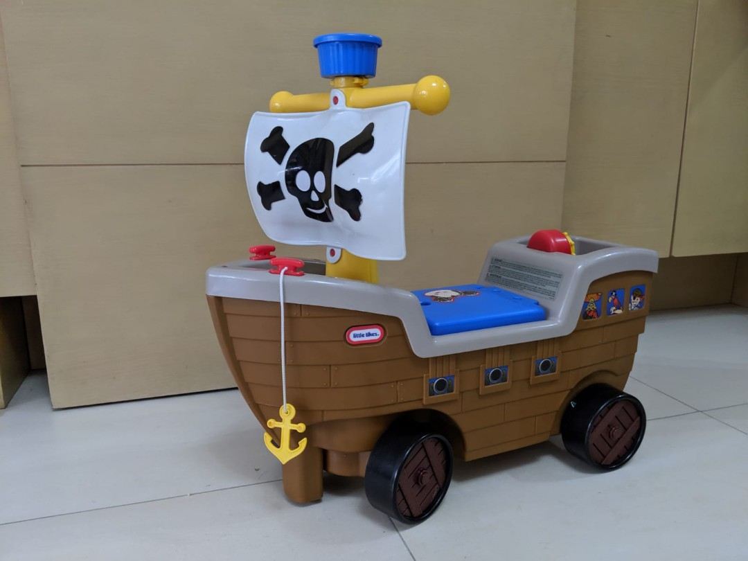 Little Tikes Play and Scoot Pirate Ship