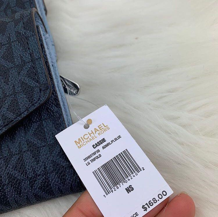 Micheal Kors Cassie Large Trifold Wallet Signature in Admiral/Pale Blue