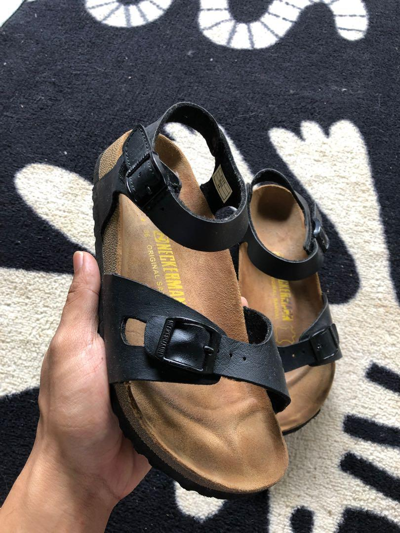 Neckerman sandals