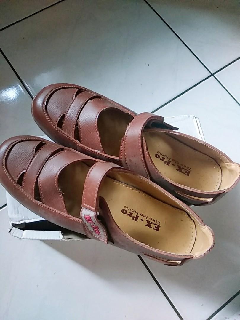 Sepatu flet