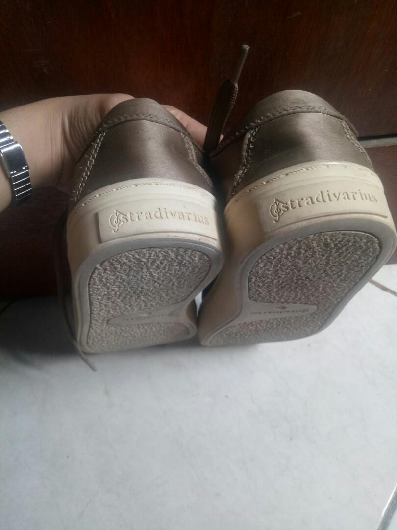 Sepatu stradivarius original