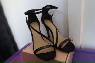 Stroppy heels