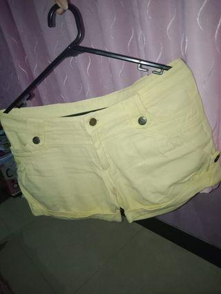 #BAPAU Celana Pendek kuning jeans hotpants