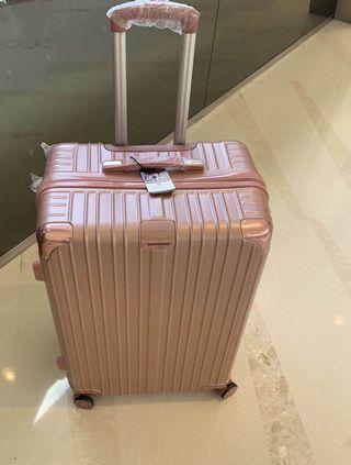 行李箱22吋✅✅✅