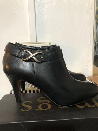 b0c39bb88c6c vince camuto boots | Women's Fashion | Carousell Philippines