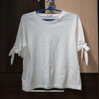 White ribbon tie sleeve top