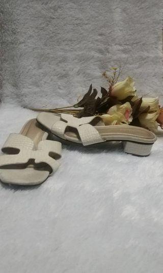 Sandal Putih #BAPAU
