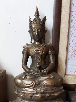 Thai Amulet Bucha