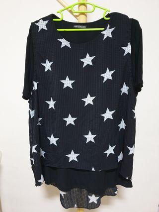Plus size - Black top with star print chiffon
