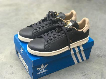 Sepatu Adidas Originals Stan Smith Womens Black Beige size 39 1/3