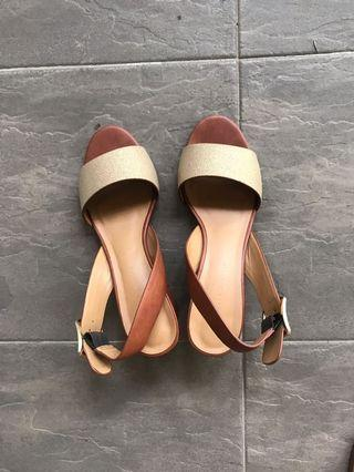BN Charles and Keith Sandals