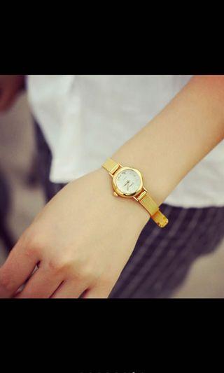 Jam tangan mungil