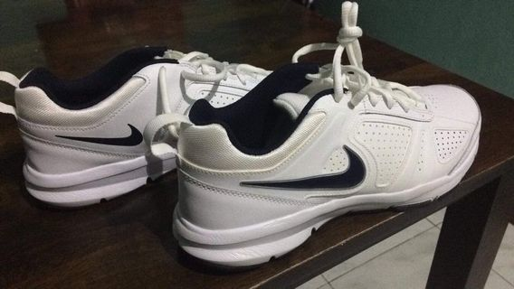 the best attitude 17ec0 ddfa9  Nike  Men s Running Shoes (size 8.5 US)