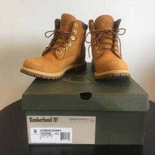 Timberlands Womens 6 IN Basic Wheat