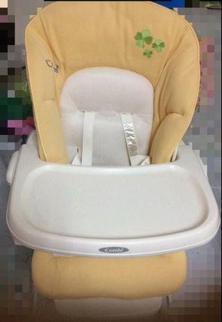 康貝 Combi Rashule 安撫餐椅搖床 餐搖椅 - 9.9成新 買到賺到!